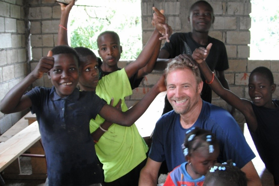 Ed hanging out with the Haitian kids.